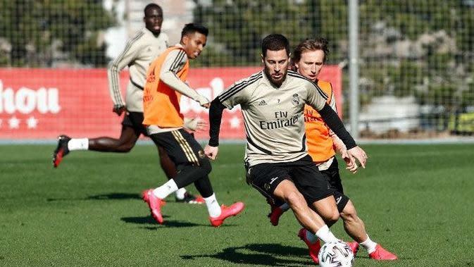 Penyerang Real Madrid, Eden Hazard, mulai berlatih kembali usai cedera panjang. (Dok. Real Madrid)