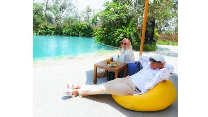 Mark Sungkar dan Istri (Sumber: Instagram/santiasokamala)