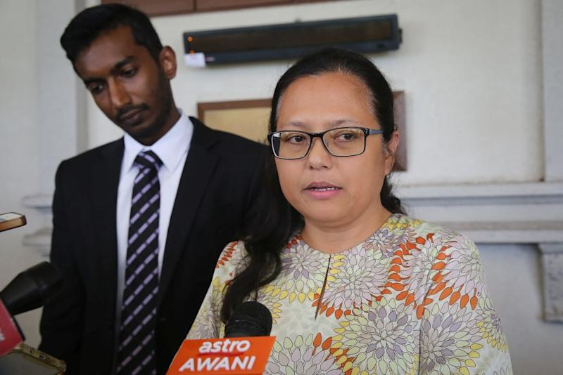 SIS executive director Rozana Isa speaks to reporters at the Kuala Lumpur Court Complex January 23, 2020. — Picture by Yusof Mat Isa