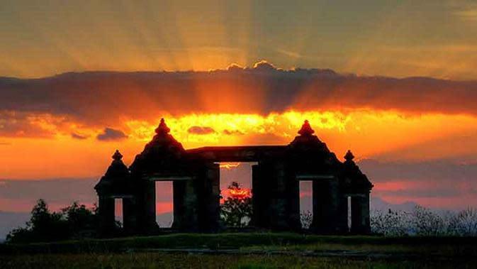 Candi Ratu Boko. foto: Yogyakarta.com