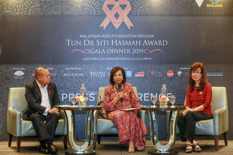 (From left) Bakhtiar, Marina, and Gala advisor and co-chair Florence Fang speak to the press at Mandarin Oriental Kuala Lumpur. — Picture by Ahmad Zamzahuri