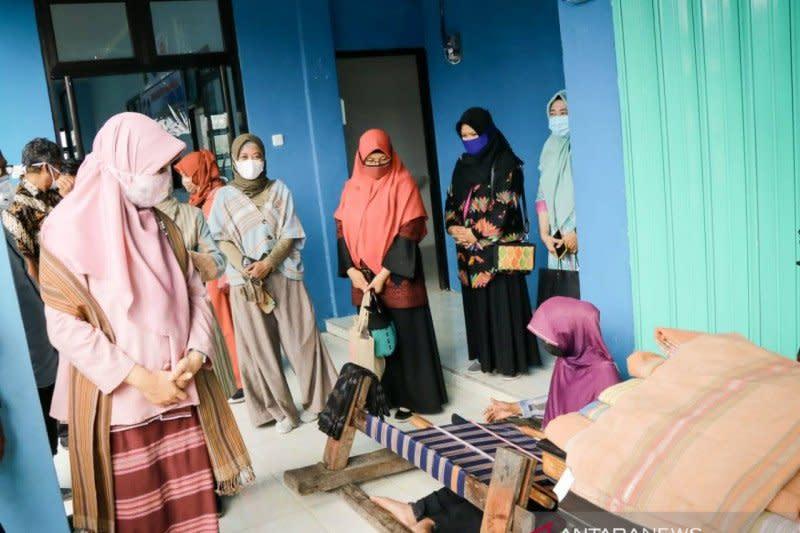 Dekranasda NTB ajak perajin tetap produktif saat pandemi