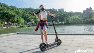 Ninebot九號電動滑板車MAX頂級版開箱實測!全球最高規格的滑板車連繞錐都能征服!