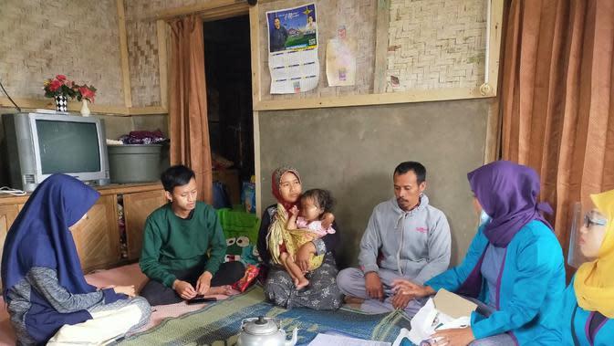 Membasuh Pilu Bayi Sonia, Penderita Gizi Buruk dan Kanker Mata