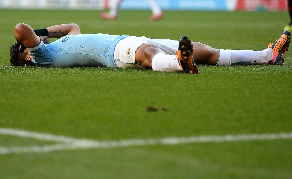 Manchester City's Aguero reacts after a missed opportunity against Sunderland during their English Premier League soccer match in Sunderland
