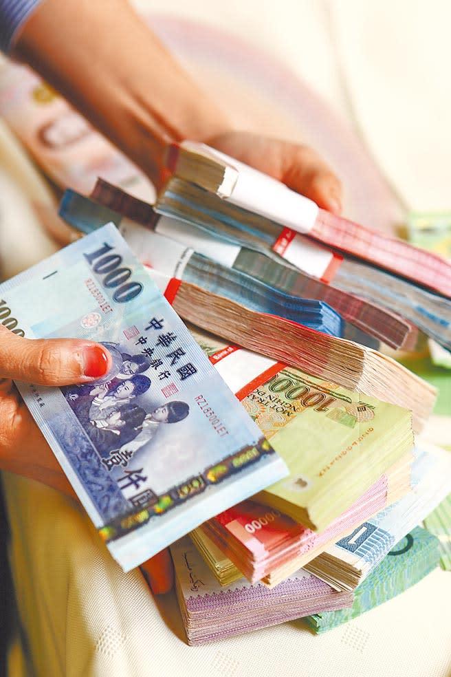 境外資金匯回專法上路滿周年,財政部賦稅署統計,總計有770多件,匯回2043億元,帶動超過470億元以上投資。(本報資料照片)