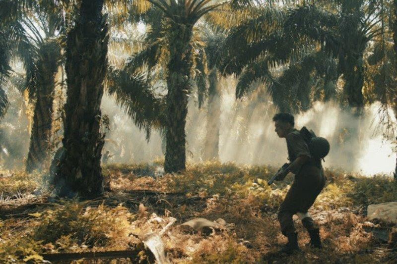 "Rendy Pandugo rilis video musik ""Home"" dengan konsep perang"
