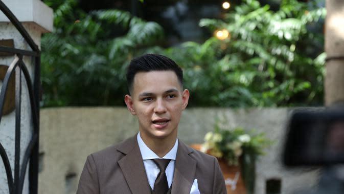 Dikatakan aktor tampan yang satu ini, untuk hari dan tanggal pernikahan dipilih oleh keluarga sang istri, namun untuk konsepnya Marcell dan Nabila yang menentukannya. (Daniel Kampua/Fimela.com)