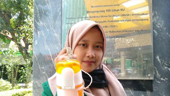 Gelis merupakan salah satu gantungan untuk botol minum ramah lingkungan pendukung zero waste. (Foto: Dok Istimewa)