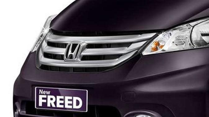 Honda Freed (otosia.com)