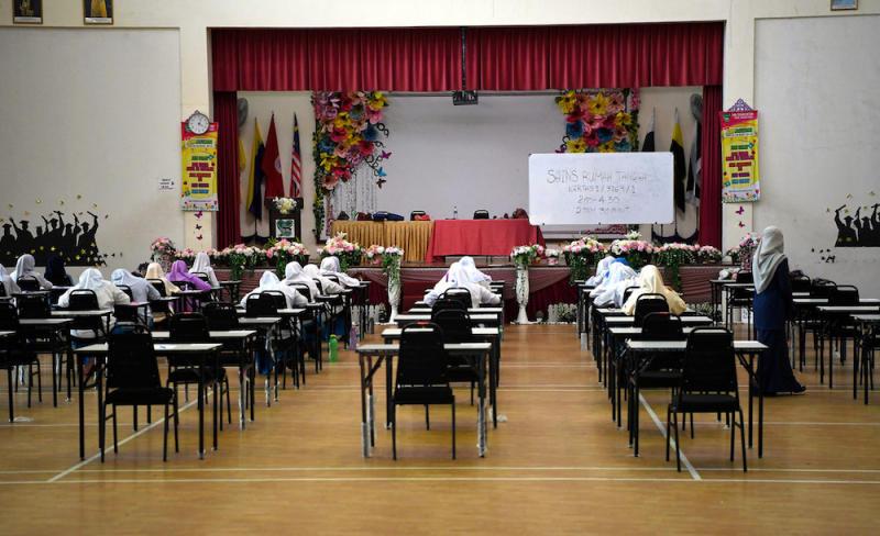 Students sit for a Sijil Pelajaran Malaysia (SPM) home science paper at Sekolah Menengah Kebangsaan Tengku Afzan in Kuantan October 14, 2019. — Bernama pic