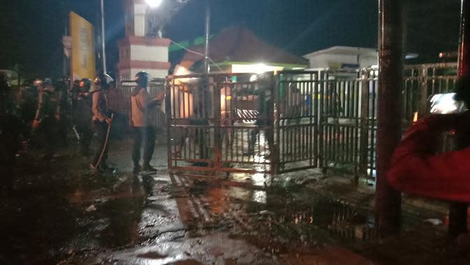 5 Orang Ditangkap dalam Demo UU Cipta Karya di Banten yang Berujung Ricuh