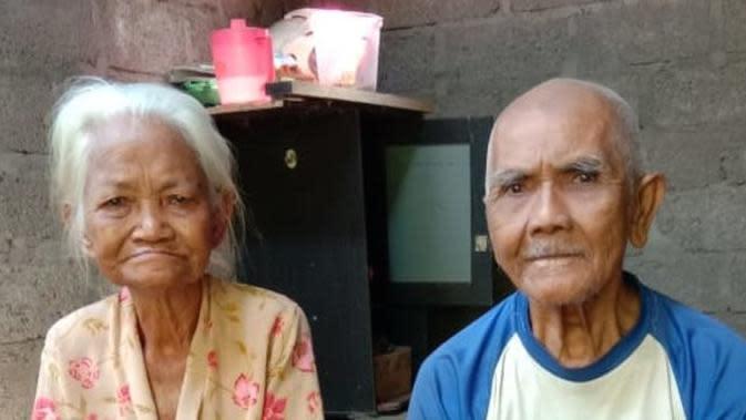 Kisah Nenek 79 Tahun Penjual Sesajen Ditipu Pakai Uang Mainan, Bikin Sedih (Sumber:Merdeka.com)