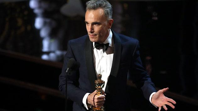 'Lincoln' star Daniel Day-Lewis makes Oscar history with three Best Actor wins