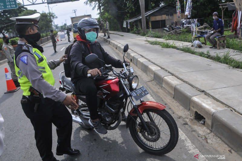 Kemarin, aturan kendaraan di Jabodetabek hingga Mari Elka soal corona