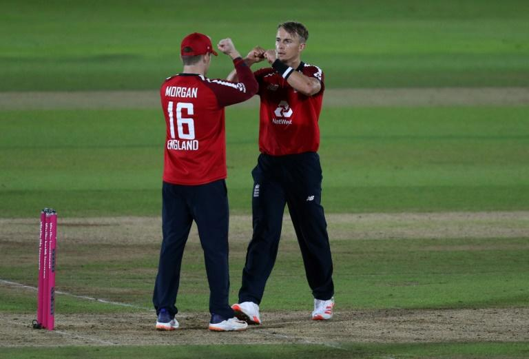 England see off Australia in final-ball T20 thriller
