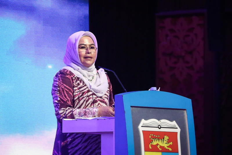 Higher Education Minister Datuk Noraini Ahmad speaks during The Ministry of Higher Education-Career Advancement Programme (KPT-CAP) Economic Recovery Plan (Penjana) at University Kebangsaan Malaysia in Bangi September 28, 2020. ― Picture by Yusof Mat Isa