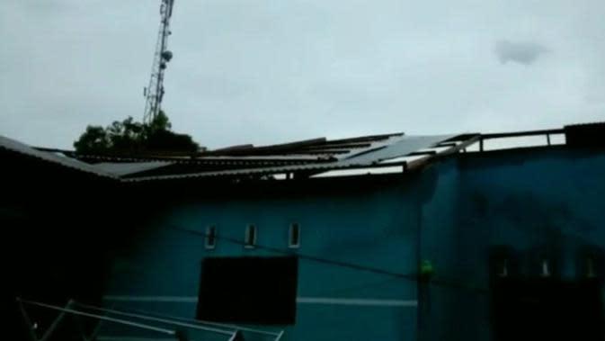 2 Warga Lampung Meninggal Dunia dan Ratusan Rumah Rusak Akibat Puting Beliung