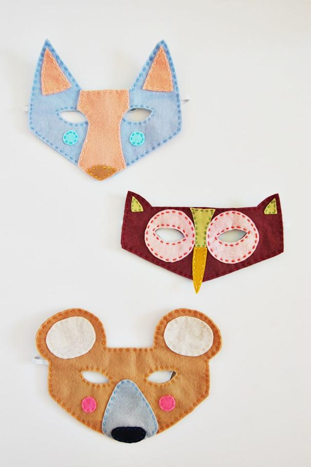 "<p>Foxes and owls and bears, oh my! Channel an outdoorsy theme this Halloween and outfit your own little creatures in any one of these whimsical masks. </p><p><strong>Get the tutorial at <a href=""https://abeautifulmess.com/2014/10/woodland-creatures-felt-masks.html"" target=""_blank"">A Beautiful Mess</a>. </strong> </p><p><a class=""body-btn-link"" href=""https://www.amazon.com/Shappy-Pieces-Dressmaker-Jewelry-Stainless/dp/B07CG5V663/?tag=syn-yahoo-20&ascsubtag=%5Bartid%7C10050.g.3480%5Bsrc%7Cyahoo-us"" target=""_blank"">SHOP STRAIGHT PINS</a></p>"