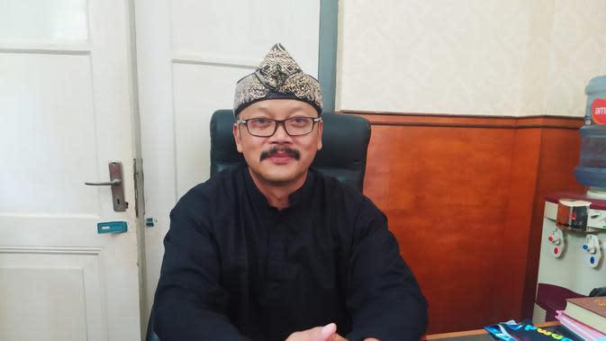 Wakil Ketua Paguyuban Asep Dunia, Asep Jaelani saat ditemui di ruang kerjanya, Kamis (27/8/2020). (Liputan6.com/Jayadi Supriadin)