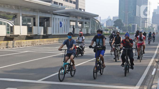 Dishub DKI Pasang Pembatas Jalur Pesepeda dan Jalan Kaki untuk CFD Besok