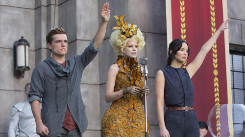 Jennifer Lawrence Goes to War in the Exclusive New 'Hunger Games: Catching Fire' Trailer