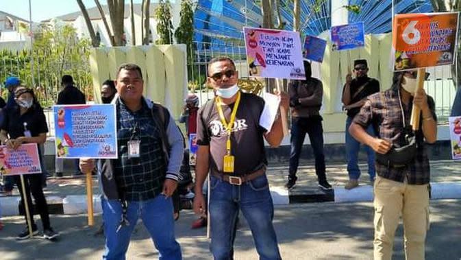 Aksi Damai Forum Wartawan NTT Tolak Kriminalisasi Pers