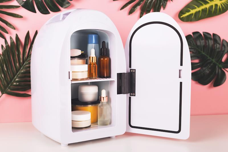 Mini fridge for keeping skincare, makeup and beauty product cool and fresh. Extend shelf live of creams, serums. Keep your beauty products organized and cool.