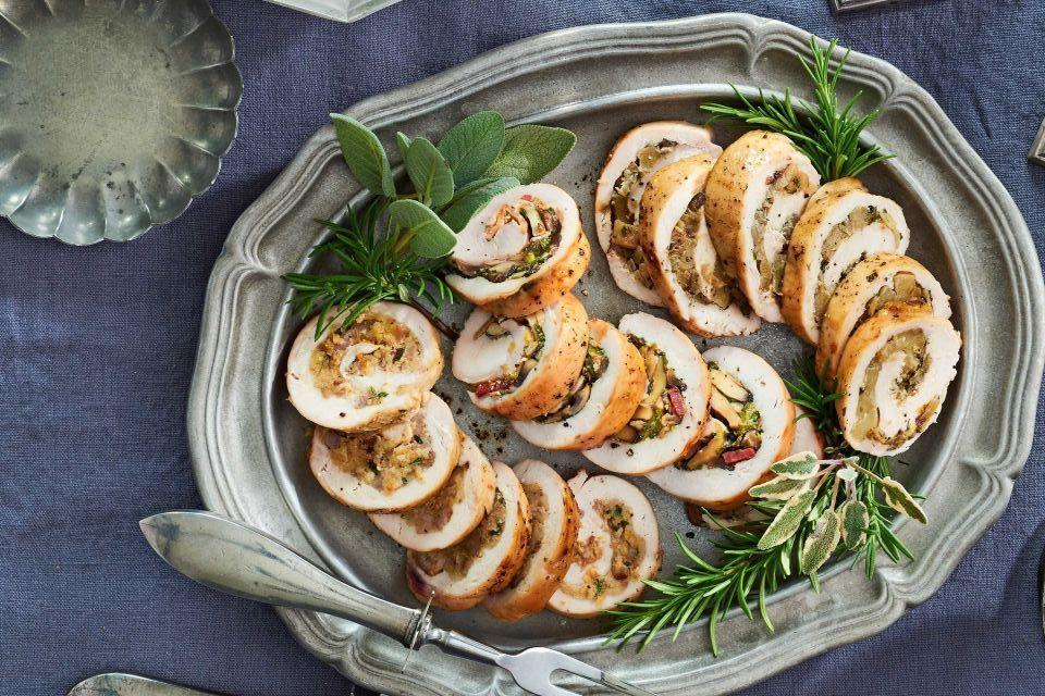 """<p>Christmas eve can be a tricky night for figuring out what to cook. You've likely got your big <a href=""""https://www.countryliving.com/food-drinks/g635/holiday-recipe-book-1108/"""" target=""""_blank"""">Christmas dinner</a> all planned out for the next night, and you certainly don't want to steal that meal's thunder. But Christmas Eve isn't just any old Thursday night, so your standard weeknight <a href=""""https://www.countryliving.com/food-drinks/g648/quick-easy-dinner-recipes/"""" target=""""_blank"""">quick and easy dinner recipes</a> don't seem like they would be quite enough, either.</p><p>Not to worry, we're here to help. These dinners are just the thing: They're simple to make, they feel a little more special, and more importantly, they'll help keep you going for any last-minute late-night <a href=""""https://www.countryliving.com/diy-crafts/how-to/g900/how-to-wrap-a-gift/"""" target=""""_blank"""">gift wrapping</a> you may be preparing to do after the little ones have gone to bed, in order to give them the full """"Santa came!"""" surprise. </p><p>To make sure these were both easy and elegant, we've leaned on hearty meals full of stick-to-your-ribs goodness, some that can percolate for a few hours in a slow cooker or dutch oven while you're putting the last touches on any decorating—or simply spending time with the family, on Christmas Eve. But we're also looking at recipes that you can easily upgrade, either with special ingredients or little presentational flourishes that will help make the meal feel as special as a Christmas Eve meal should—without needing hours of attention.</p><p>So go ahead and dig through this list. We're sure you'll find the perfect Christmas Eve dinner to please the family, just before turning on that <a href=""""https://www.countryliving.com/life/entertainment/a24170392/how-to-watch-hallmark-christmas-movies/"""" target=""""_blank"""">Hallmark Christmas movie</a> marathon.</p>"""