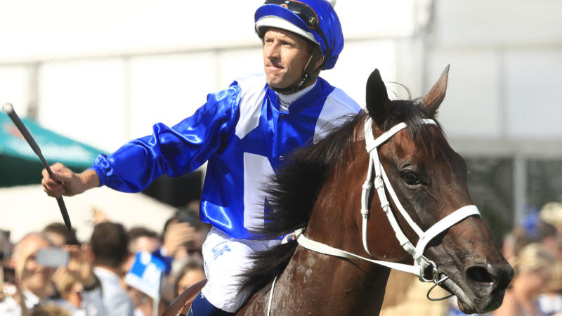 Winx extends winning streak to 32 races after George Ryder Stakes victory