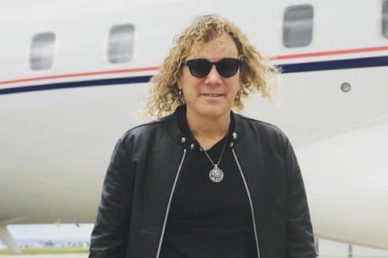 Keyboardis Bon Jovi positif virus corona