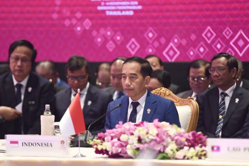 Jokowi ajak pelaku perbankan turunkan suku bunga kredit