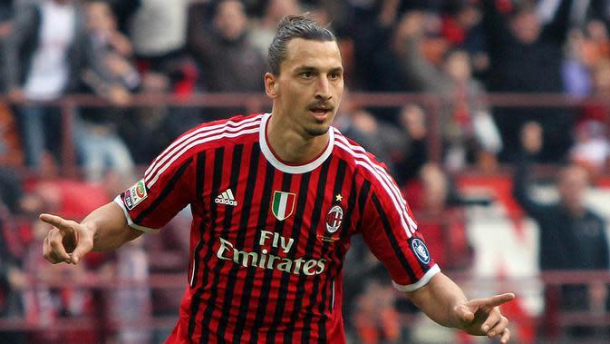 Pada tahun 2010 Zlatan Ibrahimovic dipinjamkan Barcelona ke AC Milan dan dipermanenkan tahun 2011 hingga 2012 dengan total 61 penampilan dan 42 gol. (EPA/Matteo Bazzi)