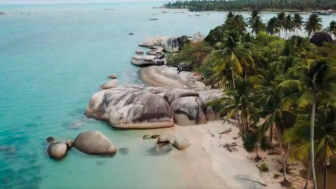 Melihat Batu-Batu Besar yang Pernah Jadi Benteng Pengintaian di Natuna