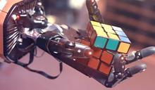 單手解開魔術方塊僅花4分鐘 機器人新技術將助人解決艱難問題