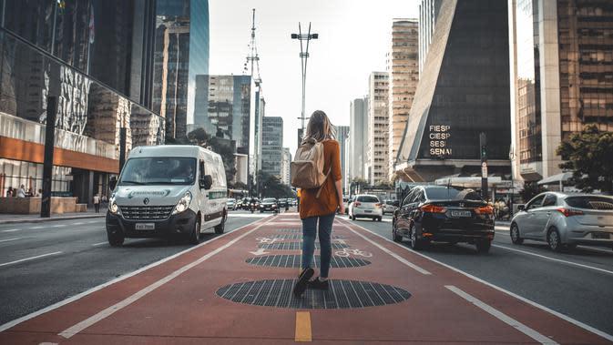 Ilustrasi solo traveling. | unsplash.com/@guilhermestecanella