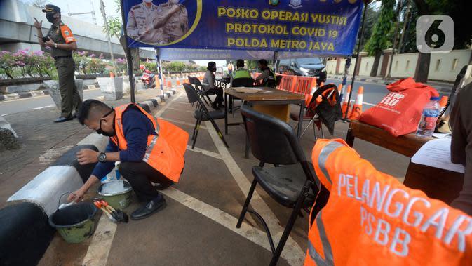 Mereka yang Melanggar dan Terkena Sanksi Pelanggaran PSBB Pengetatan Jakarta