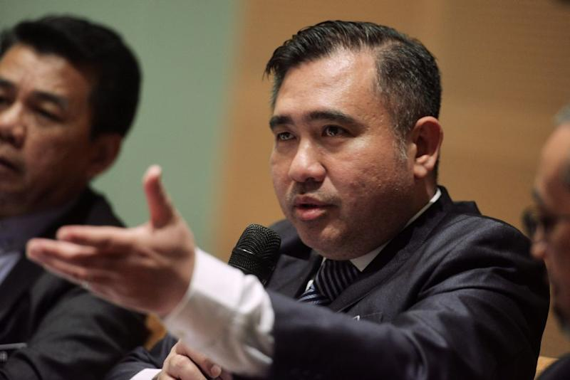 Loke told the Dewan Rakyat today that such number plates were not feasible. — Picture by Shafwan Zaidon