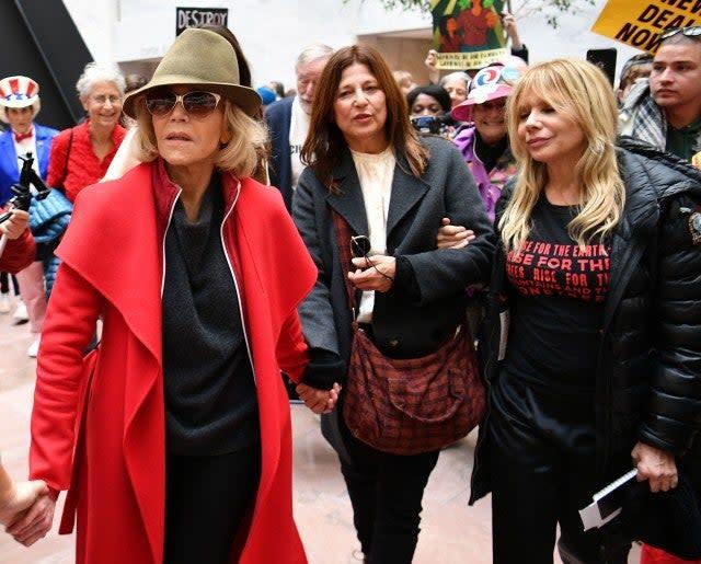 jane fonda catherine keener roseanna arquette climate change protest