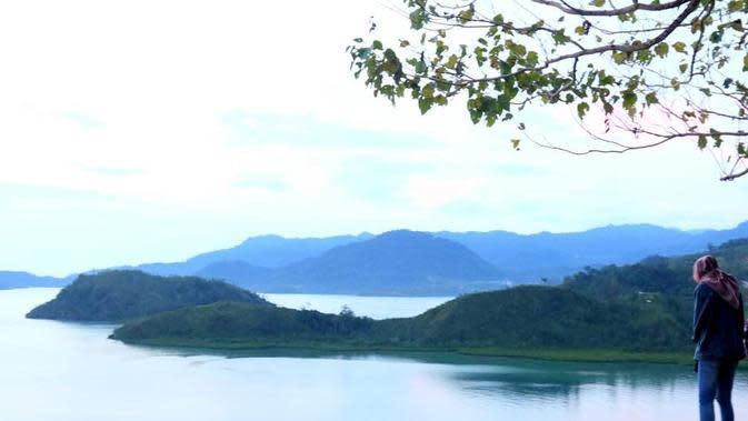 Pesona Kawasan Mandeh via Sungai Pinang Pesisir Selatan. (Foto: Liputan6.com/ Novia Harlina)