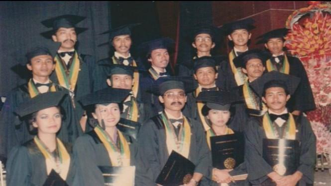 Sayembara Foto Wisuda Jokowi, Ternyata Jokowi Bukan Abal-abal
