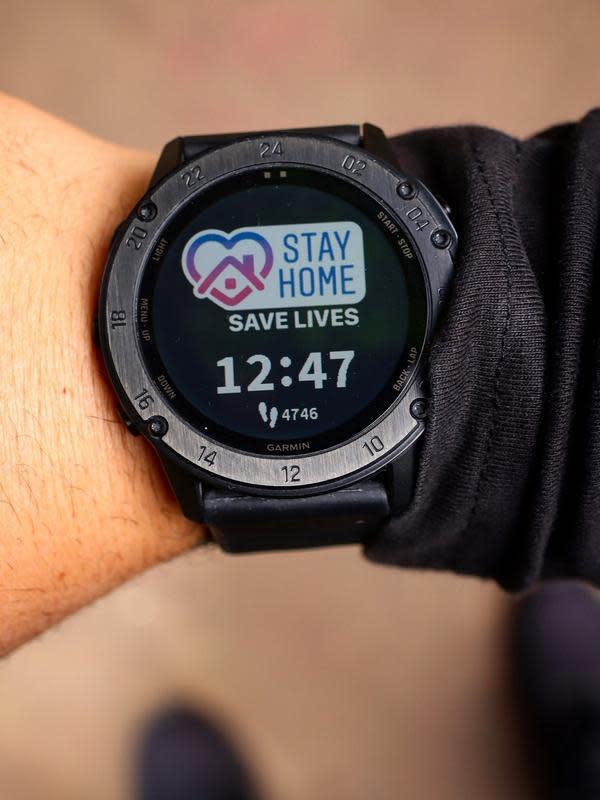 Garmin sedang mengembangkan perangkat smartwatch yang memungkinkan pendeteksian dini virus corona (Foto: Garmin)