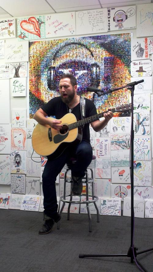 The Full Monte: Guitar Great Pittman Goes Solo at Yahoo!