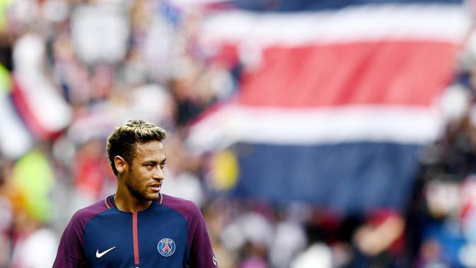 PSG membeli Neymar pada 2017. (AFP/Franck Fife)