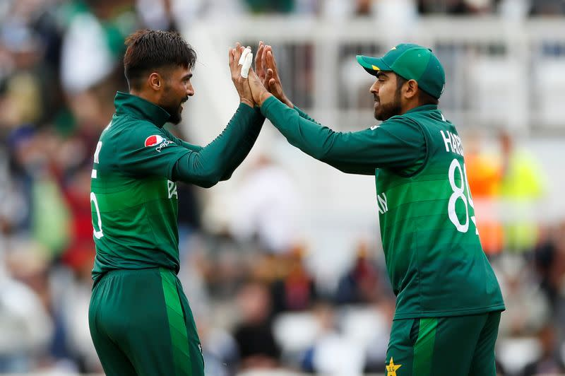 Amir and Sohail withdraw as Pakistan prepare for England tour