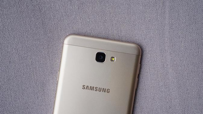 Samsung Galaxy J7 Prime (Sumber: Phone Arena)