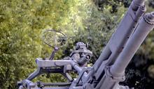 兵擊落戰機樂翻!一看:自家元帥專機