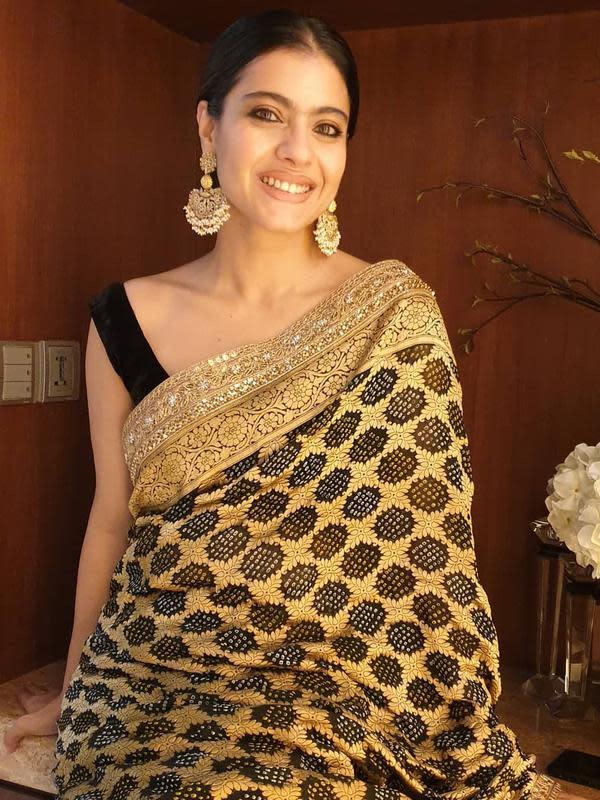 Kecintaannya pada sari, Kajol pun tampil mengenakan sari dalam film yang dibintanginya (Dok.Instagram/@kajol/https://www.instagram.com/p/B16aN2pJwFt/Komarudin)