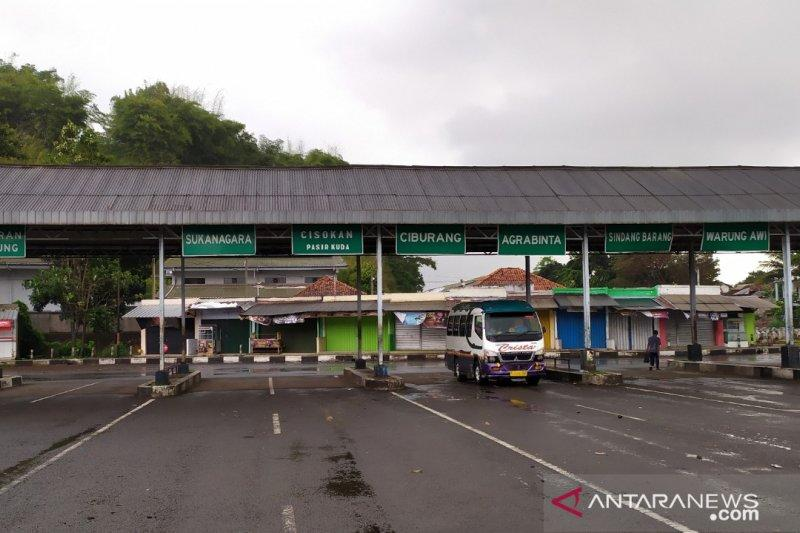 Terminal Cianjur sepi sejak pemberlakuan larangan mudik