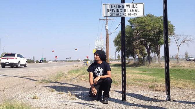 Venzha Christ di Area 51, kawasan yang diklaim terdapat pesawat luar angkasa (UFO) dan alien sebagai pilotnya, setelah pesawat itu jatuh di Roswell